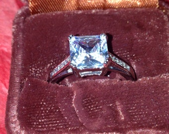 Cz gorgeous sterling  silver 925 ring