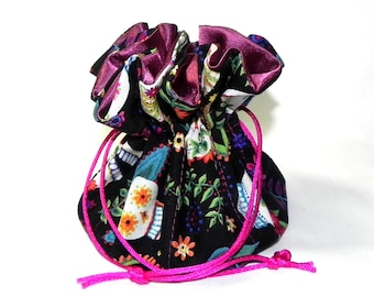 Jewelry Drawstring Travel Bag - Organizer Pouch - Day of the Dead fabric - Skulls