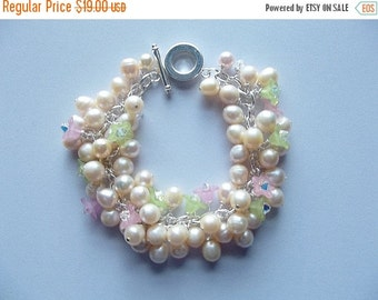 30% OFF SALE thru 2-28 Pearl and Crystal Bracelet, Chunky Bracelet, Flower Bracelet, Cultured Pearls, Spring, Mom Sister Jewelry, Mothers Da