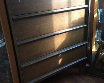 Mid century dresser. Fig house vintage