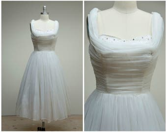 Vintage 1950s Dress • Gertrudes Whimsy • White Chiffon and Lace 50s Party Dress Size Small