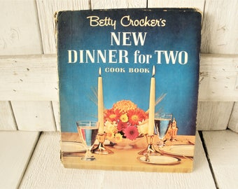 Vintage cook book New Cooking for Two Betty Crockers recipes menus retro color food photos 1964 first printing