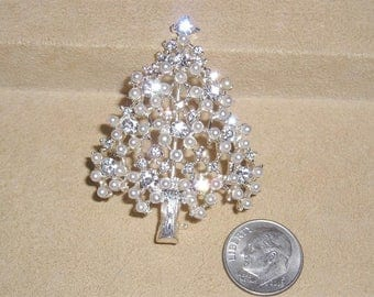Vintage Signed Eisenberg Ice Rhinestone Christmas Tree With Faux Seed Pearls 1980's Jewelry 3070