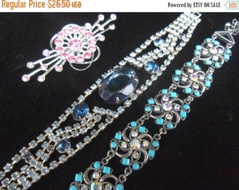 Beautiful Blue Vintage Rhinestone Bracelet 1950's Old Hollywood Glam Rockabilly Mod Collectible Jewelry