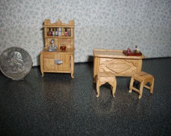 Quarter Inch Scale Realistic Freestanding Indoor Bar And Filled Hutch With Accessories