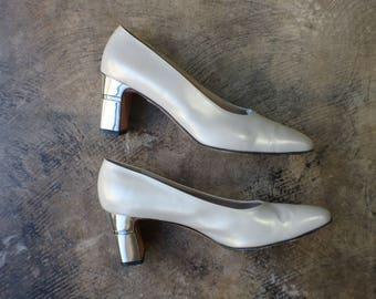 8 1/2 B / Silver Salvatore Ferragamo Pumps / Metallic Heel Designer Shoe / Vintage Metal Heeled Pumps