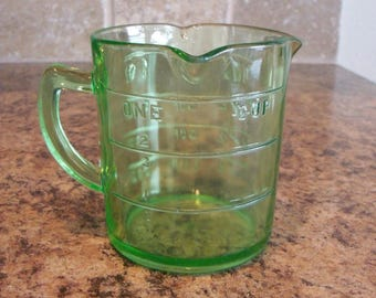 FREE USA Shipping-Vintage Hazel Atlas 3 Spout 8oz Measuring Cup Green Depression Glass