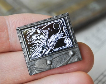 """Vintage Soviet Russian Space badge,pin.""""ZOND-5"""""""