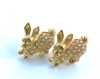 Set of 2 Bunny Rabbit Pins Gold & Pearl Bead Retro Easter Fashion Animal Jewelry