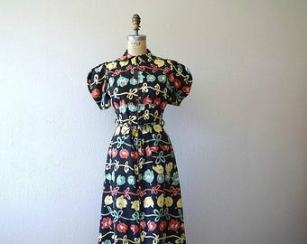 1930s dressing gown . vintage 30s tulip print dress