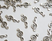 10 Treble Clef music charms antique silver 25x10mm PLFH20201Y
