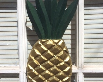 WELCOME PINEAPPLE CARVING