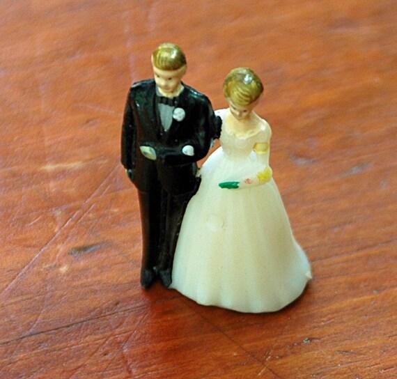 "Vintage Miniature WEDDING CAKE TOPPER  1 1/2"" Tall Ca 1950s Ornament"