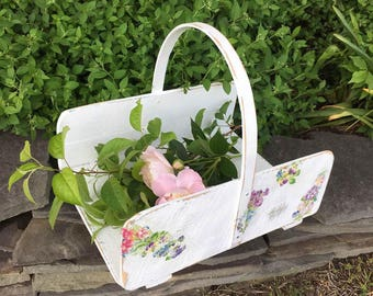 Vintage Wooden Flat Flower Gathering Basket in White with Flowers