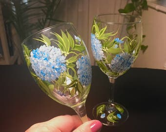 Free shipping Blue Hydrangeas pair of wine glasses hand painted