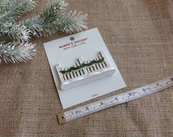 Maker's Holiday Littles Mini Christmas Fence Fairy Garden Christmas Fence White with Christmas Garland