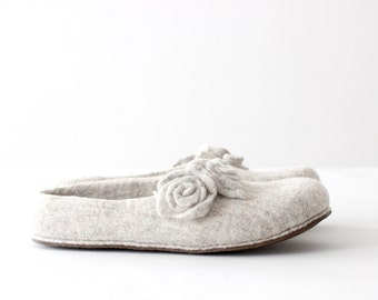 Women slippers - felted wool slippers from natural beige wool with roses - gift for her - made to order - Valentines gift
