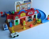 Reserved for Hilary....Vintage 1986 Fisher Price Little People Main Street Play set FP2500