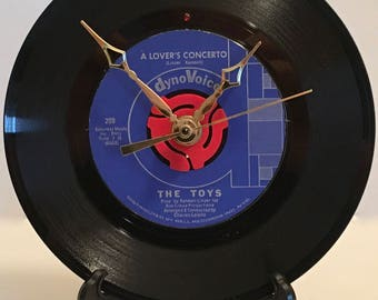 """Recycled THE TOYS 7"""" Record / A Lover's Concerto / Record Clock"""