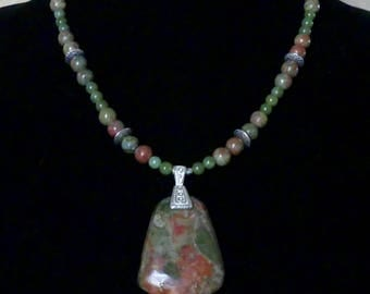 19 Inch Olive Green and Coral Unakite Pendant Necklace with Earrings