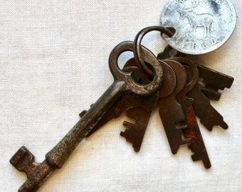 Vintage Skeleton Keys Flat Star Antique Good for Token You Make My Ass Tired Screw