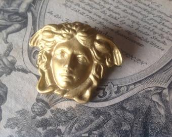 Vintage Gianni Versace medusa brooche pin