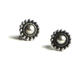 Southwestern Style Sterling Silver Dome Flower Earrings Screw Back Repousse Bead and Rope Design Mexican
