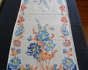"Vintage table runner 15"" X 37"" floral print kitchen table cloth shabby chic"