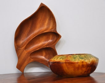 Mid Century Acacia Wooden Leaf Shaped Serving Tray