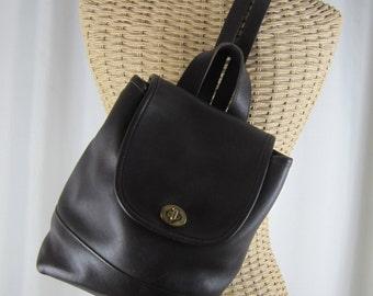 Vintage COACH Backpack - H71 - 9960- Brown Leather Shoulder Bag - Classic - Fashion - Designer Collectible Purse