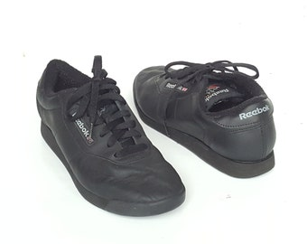 90s REEBOK CLASSIC Sneakers • Vintage Black leather Running Aerobic Shoes • Womens sz usa 8.5 • uk 6 • eur 39 • cm 25.5 • Made in Indonesia
