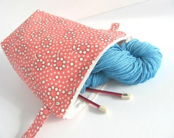 Boxy, zippered wedge knitting bag, crochet project bag - Pink Posies knitter's gift