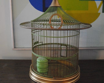 Vintage Round Pagoda Hendryx Bird Cage
