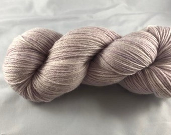 Clover Cabbage: hand dyed sock yarn, food dyes, light purple, cabbage, knitting