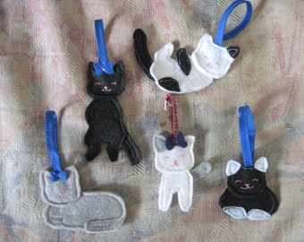Felt kitties - Handmade Ornaments