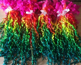 Teeswater Locks, Extra Long, Dyed, Tailspinning, 1 ounce, Doll Hair, Spin, Felt, Fleece, Hot Stuff