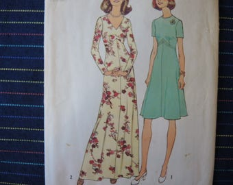 vintage 1970s simplicity sewing pattern 6935 misses dress in two lengths size 10 1/2 and 12 1/2