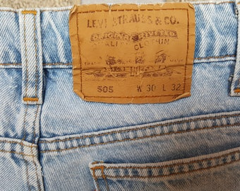 Womens DENIM LEVIS 505 Shorts Short Jeans Womens Denim Shorts Levi Strauss 505 High Waisted Shorts Denim Size 30 Nr. 04