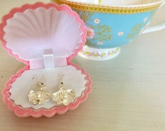 Sale! Clam Shell Earrings and Gift Box