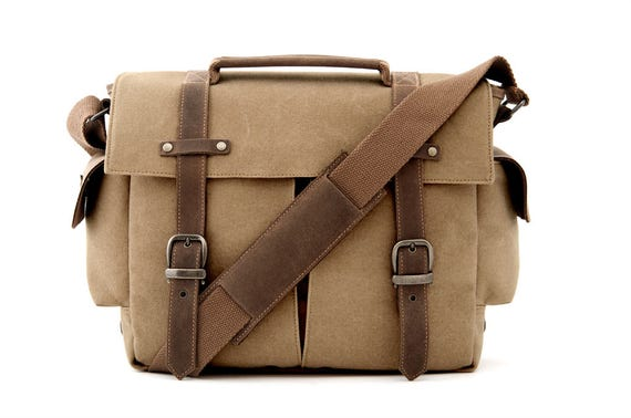 TRAIL Messenger Camera Bag / Tan Canvas
