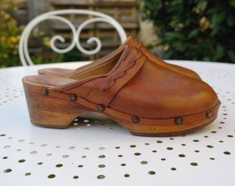 Vintage brown leather hippie swedish Clogs