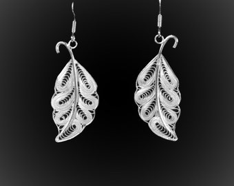 Leaves earrings with silver embroidery