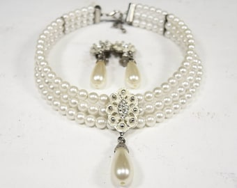 Jewelry set - white pearls necklace and clips