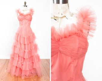 Darling 1950s Frilly Coral Tulle Cupcake Formal Prom Party Gown