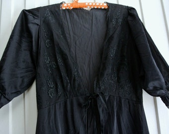 Vintage lingerie- full ankle length robe/wrap with puff sleeves: Barbarella brand