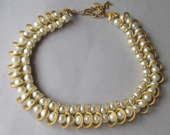 Pretty 1960's Signed Kramer Faux Pearl & Rhinestone Vintage Necklace