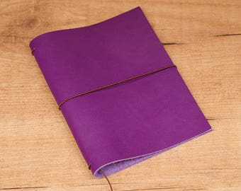 Handmade Leather Traveler's Notebook, Midori style in Passport / Pocket / A6 size - Purple