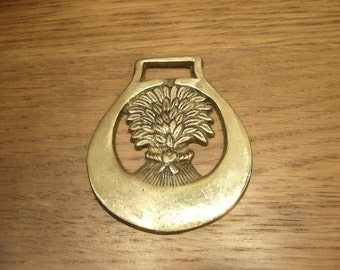 Vintage traditional wheat sheaf horse brass, horse brass with a wheat sheaf in a plain crescent surround