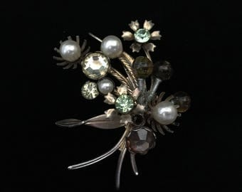 Antique Floral Brooch of Glass Beads and Faux Pearls (ABX1C)