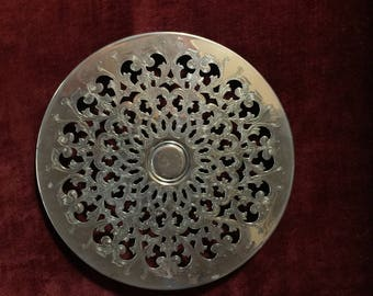 Country English Silverplated filigree round trivet